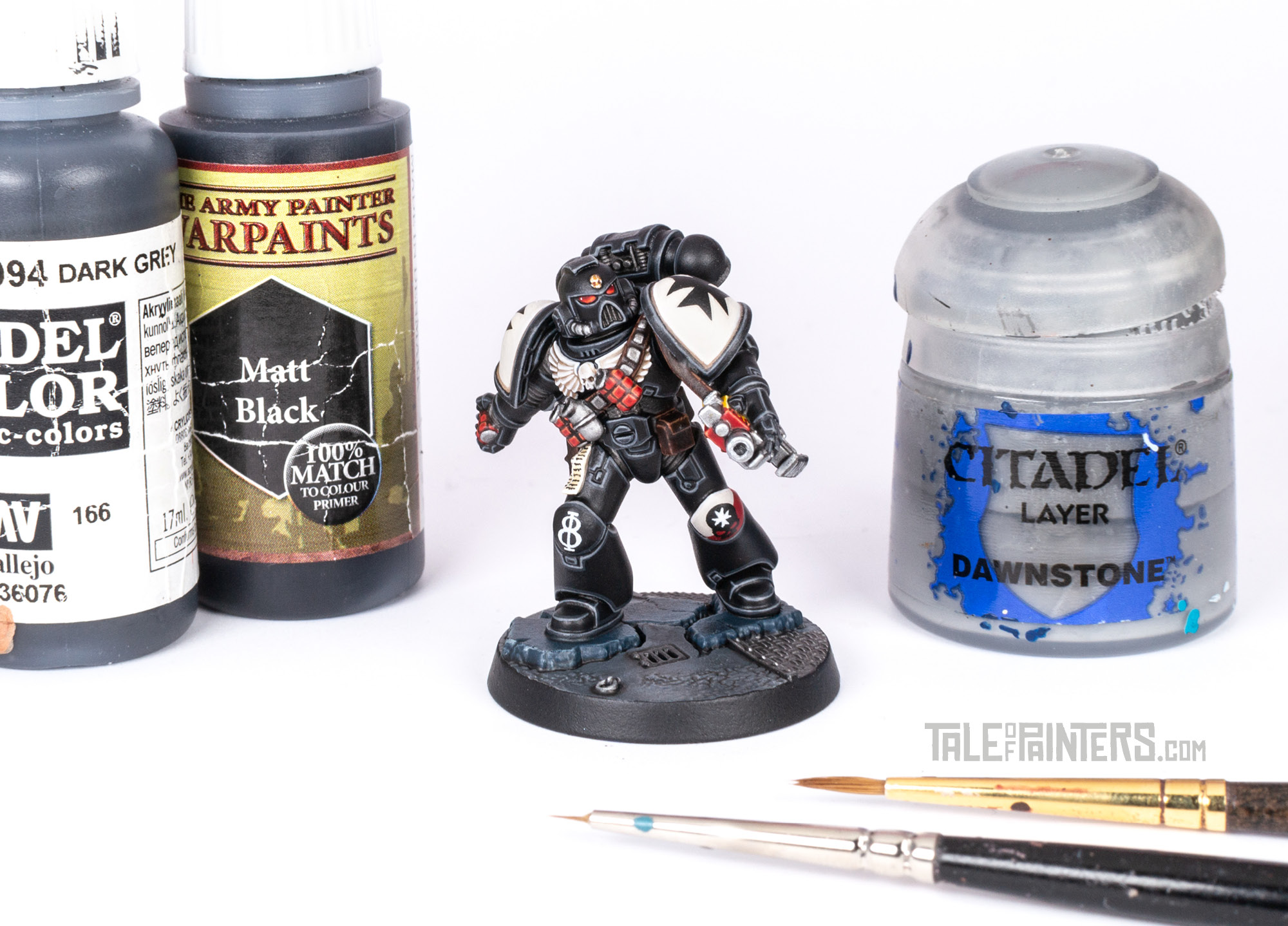Tutorial: How to paint Black Templars with crisp black armour featured image