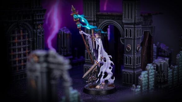 Nighthaunt Guardian of Souls in front of Azyrite Ruins